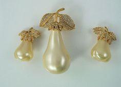 KJL Pin and Earring Set  Pear Design  S1890 by SCLadyDiJewelry