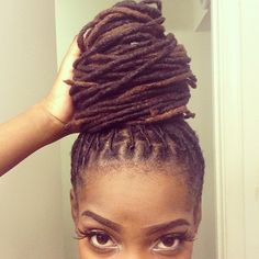 A lot of women have dreadlocks on because it is fun to style and low maintenance meaning that it. So how do you care for your locs? Dreadlock Styles, Dreads Styles, Braid Styles, Curly Hair Styles, Natural Hair Styles, Dreadlock Hairstyles, Cool Hairstyles, Dreadlocks, Nattes Twist Outs