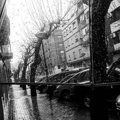 No me gustan los días así... Pero bueno, por lo menos estreno mi nuevo paraguas transparente 😁// I don't like days like this ... But I premiere my new transparent umbrella 😁  #rainningday #umbrella #amazingmoments #crazyday #lifestyle #picture #pictureoftheday #instagramers #instamoment #instadaily #bblogger #beautybloggers #khimma #eltocadordekhimma #fblogger #ig #igers #igerspain #amazing #tagsforfollow #tagsforlikes #l4l #f4f