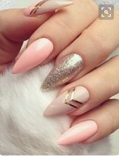 Why are stiletto nails so amazing? We have found the very Best Stiletto Nails for 2018 which you will find below. Having stiletto nails really makes you come off as creative and confident. You can be that fierce girl you always wanted to be! Perfect Nails, Gorgeous Nails, Love Nails, Fun Nails, Sparkle Nails, Glitter Nails, Glitter Makeup, Blush Nails, Glam Nails