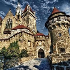 Beautiful World, Beautiful Places, Medieval, Fantasy Places, Old Buildings, Ancient Architecture, Great Shots, Beautiful Buildings, Places To Visit