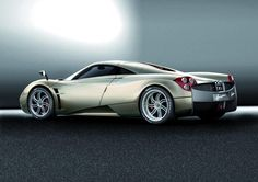 The Pagani Huayra - Super Car Center My Dream Car, Dream Cars, Pagani Huarya, Car In The World, Super Sport, Automotive Design, Exotic Cars, Car Pictures, Car Accessories