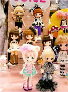 Kinoko Juice dolls...unfortunately they are extremely hard to get and also like $900...