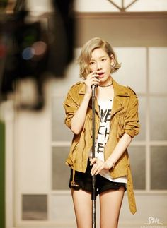 Is Taeyeon& all kill indicative of SM& reign over the charts for the next year? The song& because it& Taeyeon. There& no need to worry about the rest. No reason to worry. Girls Generation, Girls' Generation Taeyeon, Snsd Fashion, Pop Fashion, Korean Fashion, Kpop Girl Groups, Korean Girl Groups, Kpop Girls, Taeyeon Short Hair
