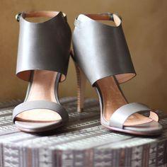Scored these #halogen sandals for under $25!   #nordstromrack #shopgenius #shoppinggenius #clearance #sotd #spring #fashion