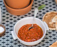 Recepty: Dip z grilovaných paprik Pesto, Salsa, Ethnic Recipes, Food, Essen, Salsa Music, Meals, Yemek, Eten