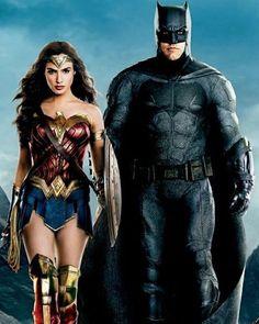 "15 Beğenme, 0 Yorum - Instagram'da 𝙬𝙤𝙣𝙙𝙚𝙧𝙗𝙖𝙩 (@_thewonderbat_): ""the snydercut will look like this…"" Batman Vs Superman, Batman Love, Superman Wonder Woman, Wonder Woman Pictures, Gal Gadot Wonder Woman, Batman Artwork, Woman Movie, Dc Characters, Comic Movies"