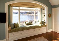 Window seat w/ built in shelves