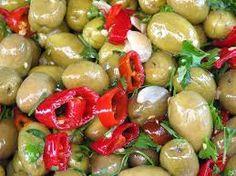 alivi cunzati da fera - olive condite del mercato la fiera di Catania