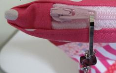 Sewing a Zipper into a Bag - Free PDF Tutorial by Patchouli Moon