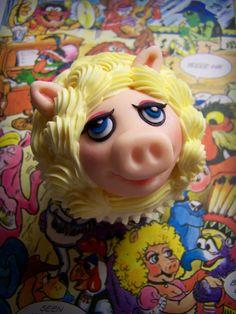 Muppet Miss Piggy cupcake