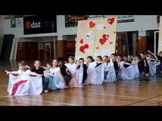 HLUK - AKADEMIE ŠKOLY 2013: 2.A - Šíleně smutná princezna (www.SlovackoDNES.cz) - YouTube
