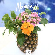 Abacaxi para uma mesa bem tropical Flamingo, Pineapple, Table Decorations, Fruit, Green, Party, Diy, Inspiration, Food