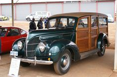 Eight cylinder engine, 3600cc, topspeed 137km/h,  originated in Canada 1938 Ford Wagon