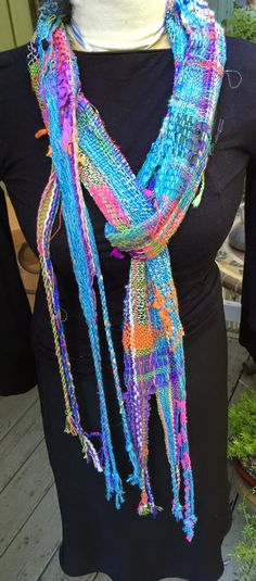 CENTERING WITH FIBER: Saori different weaving loom heights , students and Saori scarves