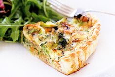 vegetable quiche A low-fat vegetarian quiche - what could be better? I made this & do recommend it! Healthy Meats, Healthy Meat Recipes, Quick Healthy Meals, Healthy Breakfast Recipes, Vegetarian Recipes, Healthy Chicken, Healthy Foods, Vegetarian Quiche, Vegetable Quiche