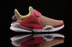 Vibrant Tones On The Latest Nike Sock Dart SE