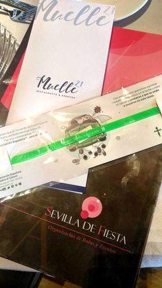 Pulseras solidarias para los invitados. #pulserassolidarias #detallesdeboda #regalosdeinvitados #bodas #organizaciondebodas Cover, Books, Invitations, Bangle Bracelets, Party, Libros, Book, Book Illustrations, Libri