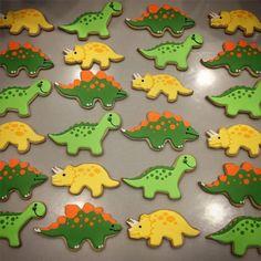 Most Popular Ideas Dinosaur Birthday Party Decorations Sugar Cookies Dinosaur Cookies, Dinosaur Birthday Cakes, Birthday Kids, Dinosaur Party, Dinosaur Dinosaur, Dinosaur Cupcake Cake, Dinasour Cake, Festa Jurassic Park, Iced Sugar Cookies