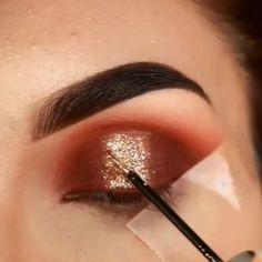 Makeup Tricks to Look Younger : 11 Ways to Look Younger With Makeup - Eyeliner Makeup Eye Looks, Eye Makeup Steps, Beautiful Eye Makeup, Eye Makeup Art, Natural Eye Makeup, Contour Makeup, Cute Makeup, Eyeshadow Makeup, Makeup Tips