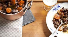 Dit heerlijke Vlaamse stoofpotje van wild zwijn en bier is door de lezers verkozen tot het beste foodiesrecept uit afgelopen 49 uitgaven foodies! Probeer hem ...