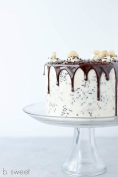 Banana, Toffee, Chocolate, Vanilla Swiss Meringue Buttercream; what else could you ask for? This is my cake version of the Classic Banoffee Pie. It is vanilla b