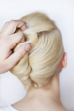 New hair styles step by step updo french twists ideas Trendy Haircuts, Haircuts For Long Hair, Hairstyles For Round Faces, Long Hair Cuts, Long Hair Styles, Haircut Long, Hot Haircuts, Haircut Style, Style Hair