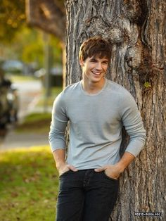 (Matt Lanter) Dean Holder, Hopeless & Losing Hope by Colleen Hoover sexy in anything he wears Matt Lanter, Angela Lanter, Bad Boys, Xavier Samuel, Star Crossed, Jennie Garth, Book Boyfriends, Shannen Doherty, Attractive Men