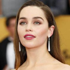 Emilia Clarke looks so elegant with her dangling earrings on. Get yours at IceCarats.com.  #icecarats #jewelry #fashion #accessories #jewelryjunky #latestfashion #trending #fashiontrends #affordablefashion #lookbook #fashionbloggers #bloggerstyle #bestseller #instaglam #instastyle #jewelrylover #streetstyle #jewelrylover #jewelrytrends #dailyinspo #romantic #fashionkilla #fashionstory #hollywood #classy #emiliaclarke #mebeforeyou #danglingearrings #earringlove #earringoftheday
