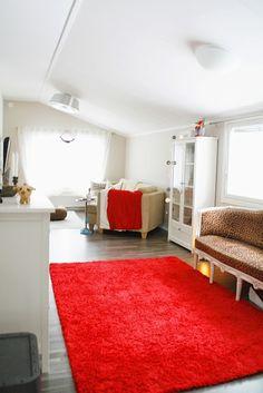 hotel mama: Punainen matto Shag Rug, Lifestyle, Rugs, Home Decor, Shaggy Rug, Farmhouse Rugs, Decoration Home, Room Decor, Blankets