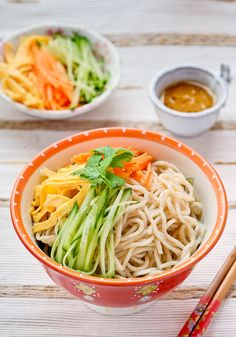 Taiwanese Home Made Noodle Salad Recipe. It's refresh, healthy and tasty.