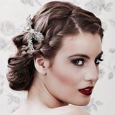 Winter makeup. Accessories by Casa Vasconcellos. | www.mysweetengagement.com