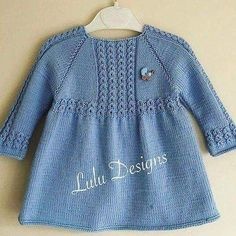 Knitting Stitches, Free Baby Sweater Knitting Patterns, Knit Baby Sweaters, Knitting For Kids, Knitting Designs, Baby Patterns, Kids And Parenting, Knit Baby Dress, Baby Cardigan