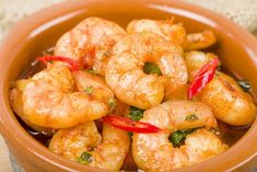 Garlic Prawns tapa, aka Gambas Ajillo, a sizzling local seafood specialty in Spain. Click the pin and check out what other yummy Spanish dishes to try out. Spicy Garlic Shrimp, Garlic Prawns, Spanish Dishes, Spanish 1, Four Micro Onde, Fish And Seafood, Local Seafood, Shrimp Recipes, Food Inspiration