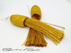 Date un capricho. Búscame en Amazon/Handmade. Tassel Necklace, Dyed Silk, Bangs, Earrings
