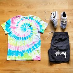 "juliensneakeraficionado on Instagram: ""🍭 ▪️ @nikesportswear #custom #tee #tiedye  ▪️ #nike x @stussy #short   ▪️ @nike #flyknit #trainer   #outfitgrid @outfitgrid…"" Yeezy Fashion, Men's Fashion, Style Men, Men's Style, Streetwear Shorts, Flyknit Trainer, Swag Outfits Men, Jordan Nike, Custom Tee"