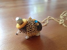 How to make party hedgehog necklace