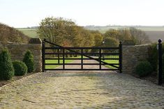 Fabricated by our in house welder fabricator, this 5 bar steel farm gate was installed in a property just outside of North Newbald in East Yorkshire Backyard Gates, Driveway Gate, Garden Gates, The Farm, Farm Gate, Farm Fence, Front Gates, Entrance Gates, Gate Designs Modern