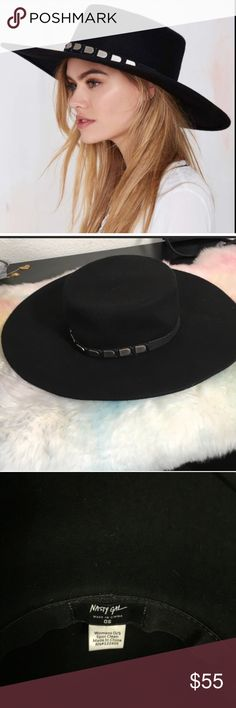 YASS! 😍 the Janelle boater hat by Nasty Gal! This killer simi-stiff brimmed witchy hat is A-MAZING. I frickin love it, but I'm broke & trying to save my house. So it's gotta go. One size fits all, any questions feel free to ask! Nasty Gal Accessories Hats