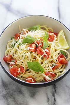 Lemon-Basil Spaghetti - refreshing, healthy and utterly delicious pasta dish made with lemon sauce, fresh basil and Parmesan cheese. This is a perfect as lunch or a quick dinner. Cold Spaghetti Salad, Lemon Spaghetti, Cold Pasta, Spaghetti Recipes, Pasta Recipes, Pasta Meals, Easy Delicious Recipes, Healthy Recipes, Healthy Food