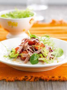 Salade van Breydelham, rode ui en mosterdsla  https://njam.tv/recepten/salade-van-breydelham-rode-ui-en-mosterdsla
