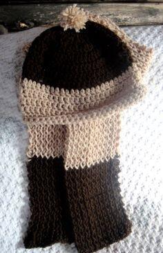 Conjunto clásico para invierno: Gorro tejido en crochet (Punto Vareta) y bufanda en dos agujas (Putada Jersey simple:1X1)