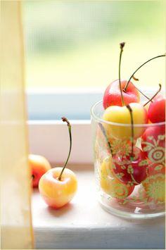 Cherries !! Google Image Result for http://cdn2.latartinegourmande.com/wp-content/uploads/2009/07/3702618804_a3cf9380a6_o.jpg