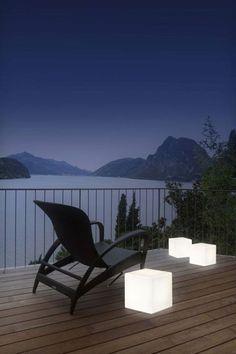 Cube ou table basse lumineuse pour votre intérieur ou votre terrasse. Très agréable pour une ambiance zen et reposante.  Retrouvez tous nos modèles sur techneb.com #cube #table #lumineux #zen #reposant #intérieur #jardin #terrasse #design #techneb
