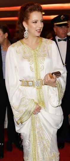 Princess Lalla Salma of Morocco Moroccan Caftan, Moroccan Style, Hijab Fashion, Boho Fashion, Fashion Outfits, Moda India, Kaftan Designs, Royal Fashion, Mode Style