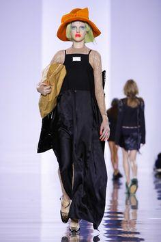 Maison Margiela Ready To Wear Fall Winter 2015 Paris Live Fashion, All About Fashion, Fashion Show, Wilhelmina Models, Fall Winter 2015, John Galliano, Runway Fashion, Paris Fashion, Ready To Wear