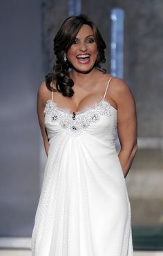 Mariska Hargitay - this dress is beautiful, and she looks gorgeous!!