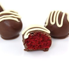 Red velvet cake balls, would be really cute instead of chocolates for Valentines!