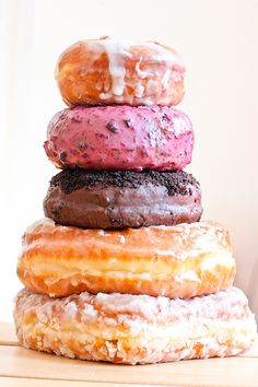 The Doughnut Plant. French Frie, New York Desserts, Yummy Treats, Delicious Desserts, Donut Bar, Sugar Rush, Beignets, East Side, Doughnuts