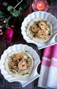 Scallops With Potato-Cauliflower Purée #Paleo #Whole30 #ValentinesDay